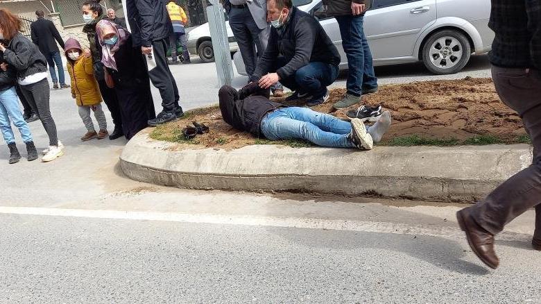 Ambulans kazaları karıştırdı, yaralı dakikalarca yerde bekledi