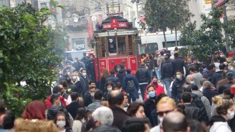 İstiklal Caddesi'ne girişler kapatıldı