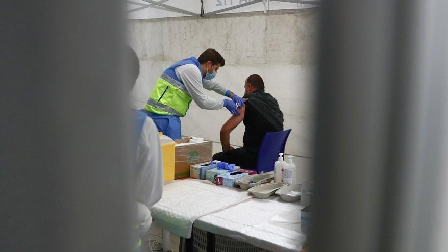 AstraZeneca aşısı yapılan asker öldü! Aşının kullanımı askıya alındı