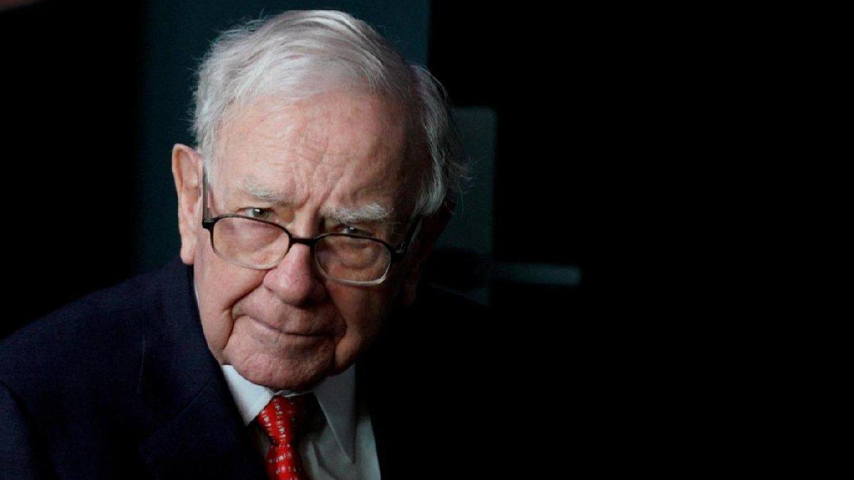 90 yaşındaki Buffet 100 milyar dolar servete ulaştı