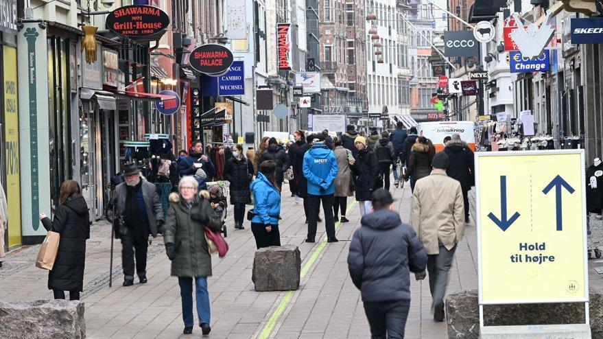 Danimarka corona aşılama sürecini durdurdu