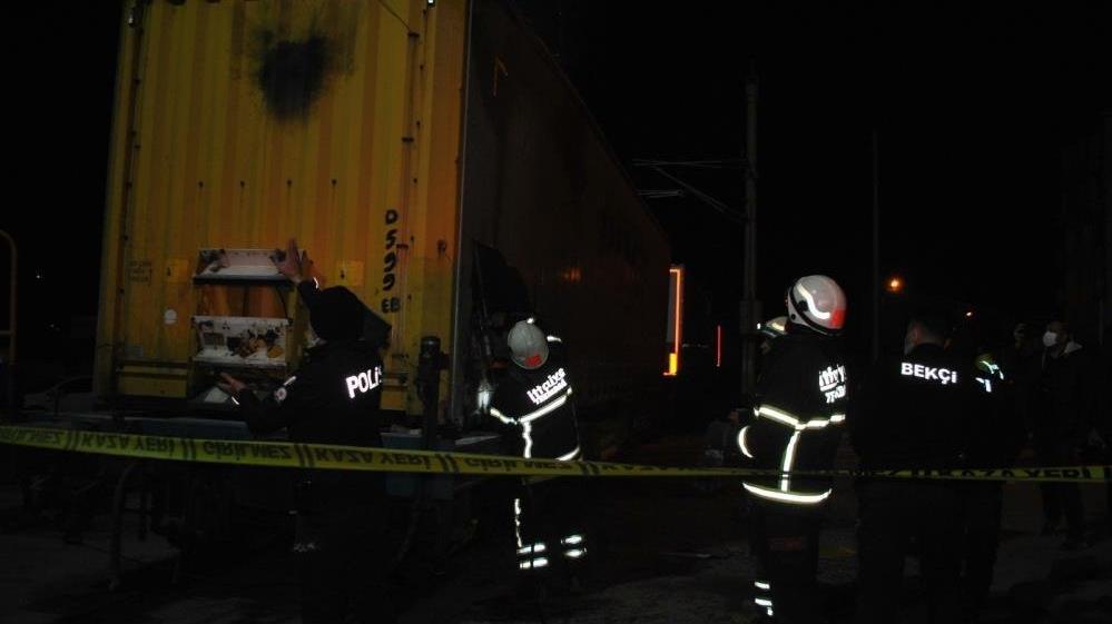İhracat trenine kaçak binmek isteyen 2 mülteci akıma kapıldı