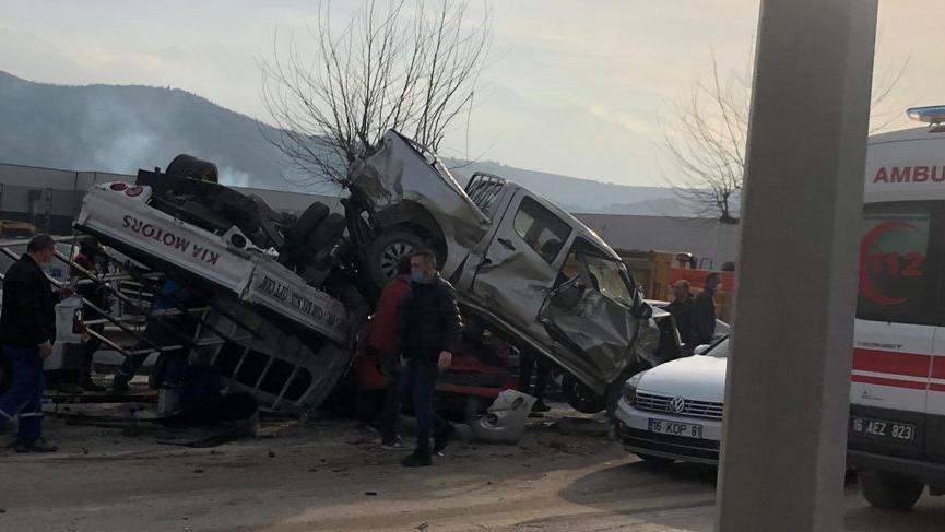 Bursa'da katliam gibi kaza: Ölü sayısı 4'e yükseldi, 20 yaralı