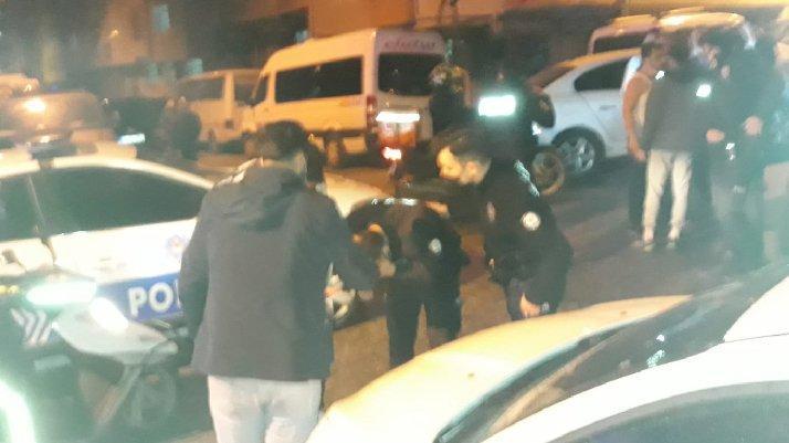 İstanbul'da yol ortasında kavga: Polis, biber gazı ile müdahale etti