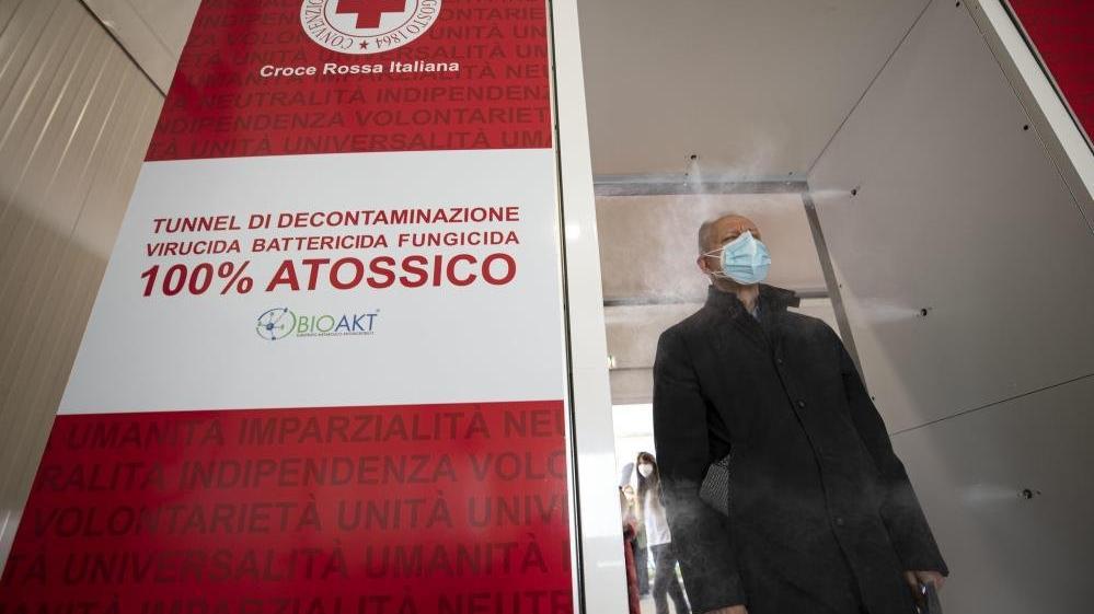 İtalya'da son 24 saatte 26 bin 824 yeni vaka