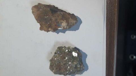 Definecilerin evinden 4 milyar liralık değerli taş çıktı