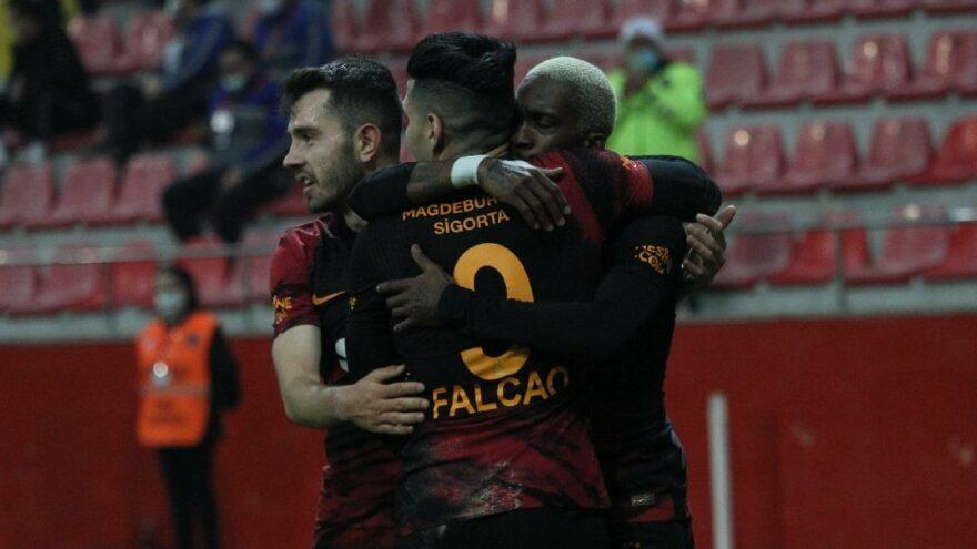 Galatasaray, Kayserispor'u yıldızlarıyla devirdi: 0-3 – Sözcü Gazetesi