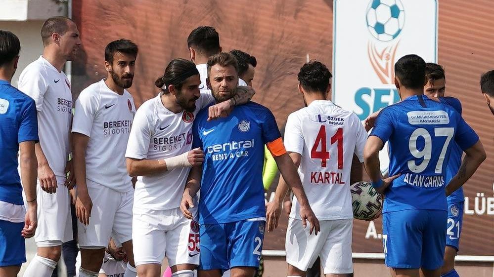 Olaylı maçta Tuzlaspor yenildi, Taner Taşkın istifa etti