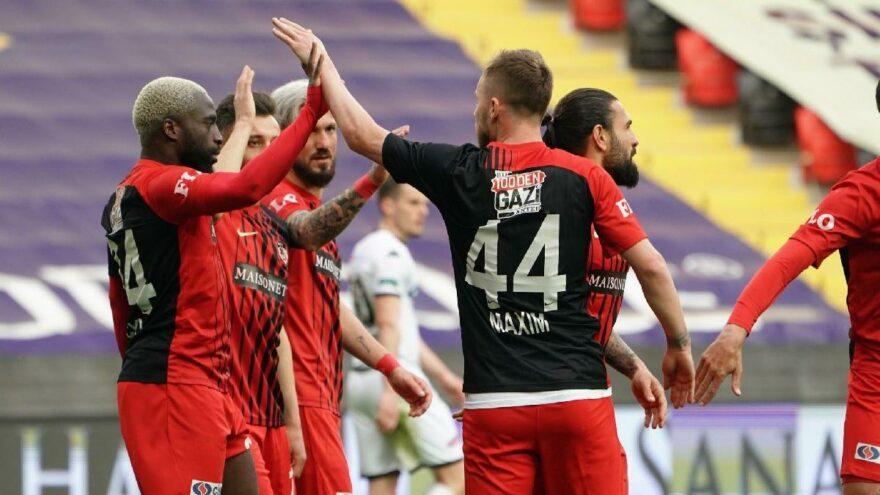 Gaziantepspor-Denizlispor maçında kritik üç puan