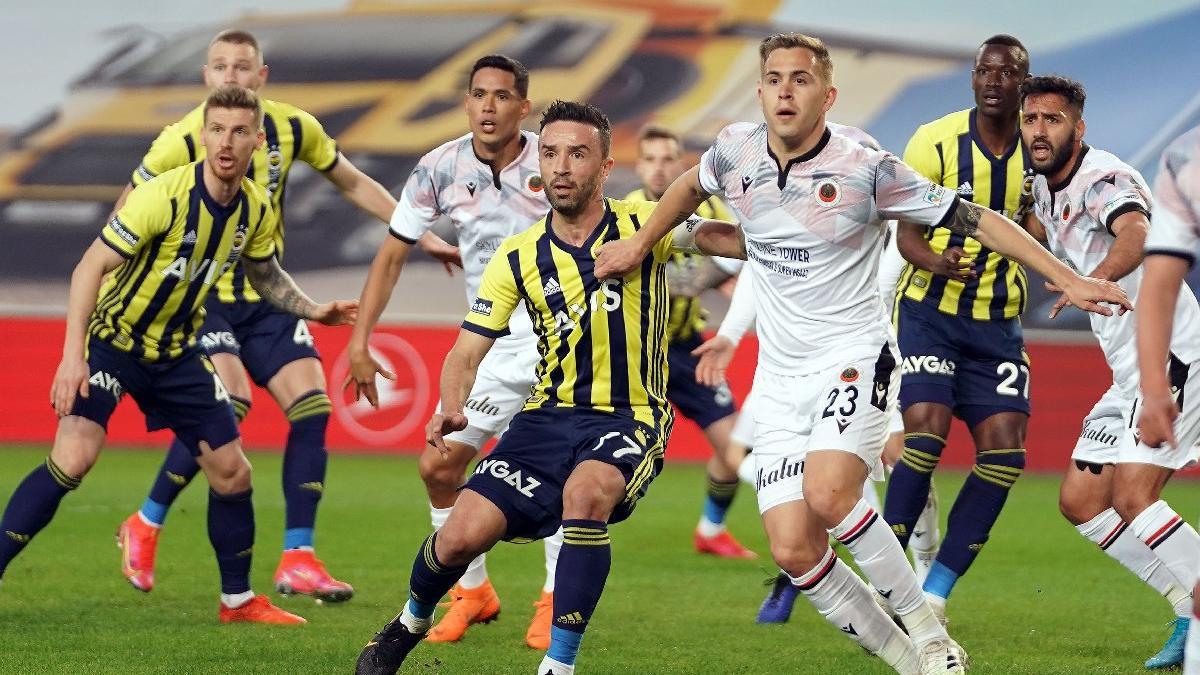 Fenerbahçe-Gençlerbirliği maçında şut çekmeden gol buldular