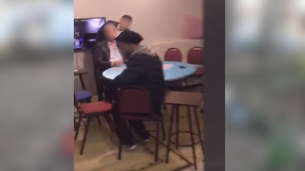 Kumar oynatılan eve kameralı polis baskını