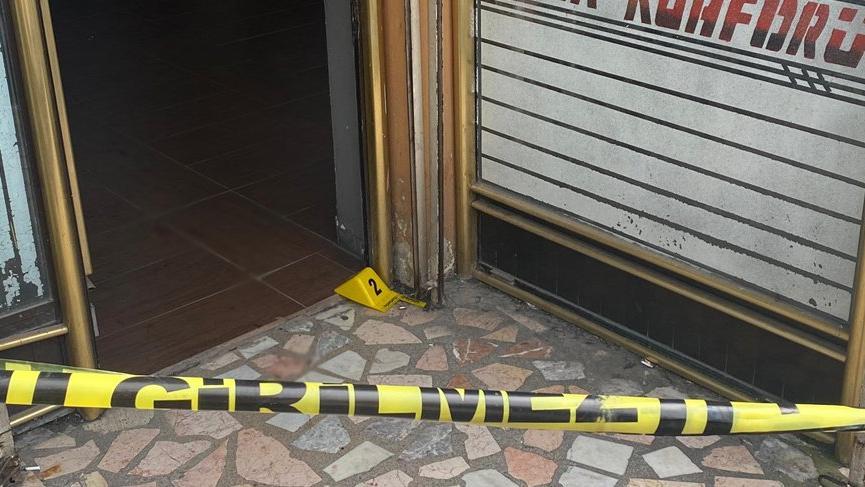 İstanbul'da berberde silahlı saldırı: 3 kişi vuruldu