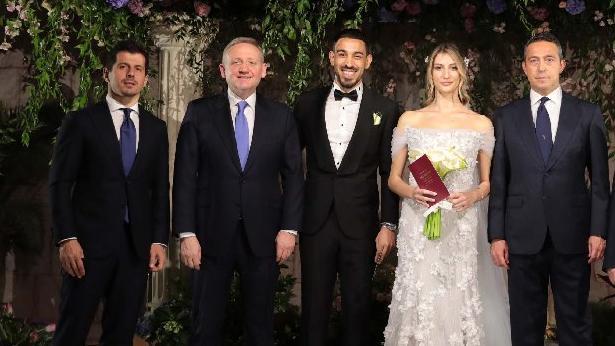İrfan Can Kahveci, Gözde Doyran ile dünya evine girdi