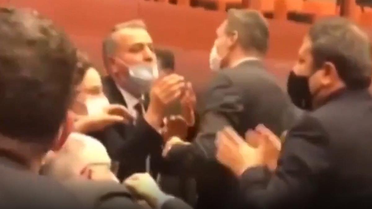 AKP'li Alpay Özalan, Gergerlioğlu'nu Meclis'ten çıkarmaya çalıştı! Ortalık karıştı