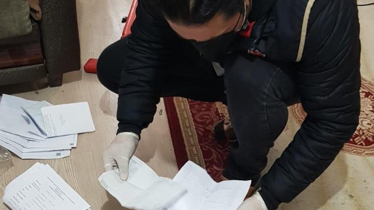 Tefeci operasyonunda FETÖ yayınları ele geçirildi