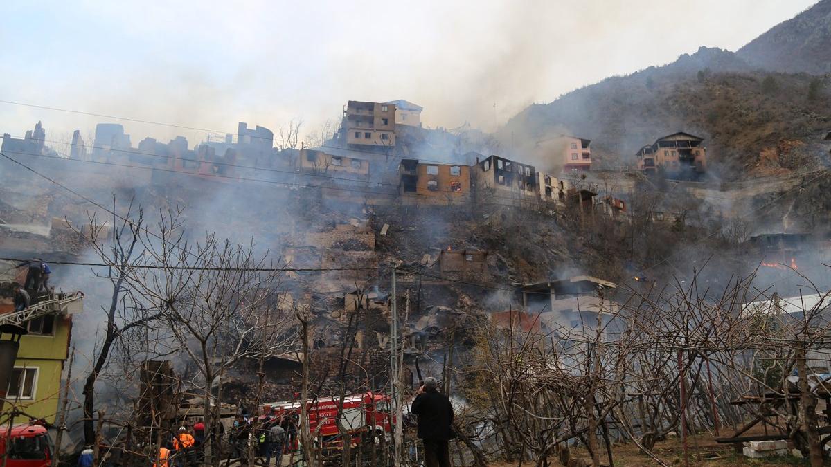 Yangın bu köyün kaderi! 24 yılda 3 büyük yangın acısı