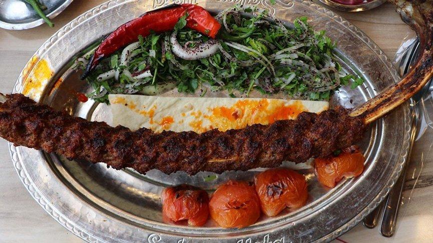 Gaziantep'in yeni lezzeti: Kemikte kıyma kebabı