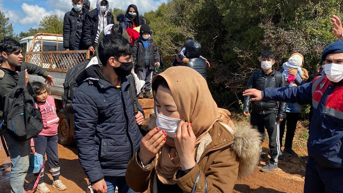 Mahsur kalan 204 kaçak göçmen kurtarıldı