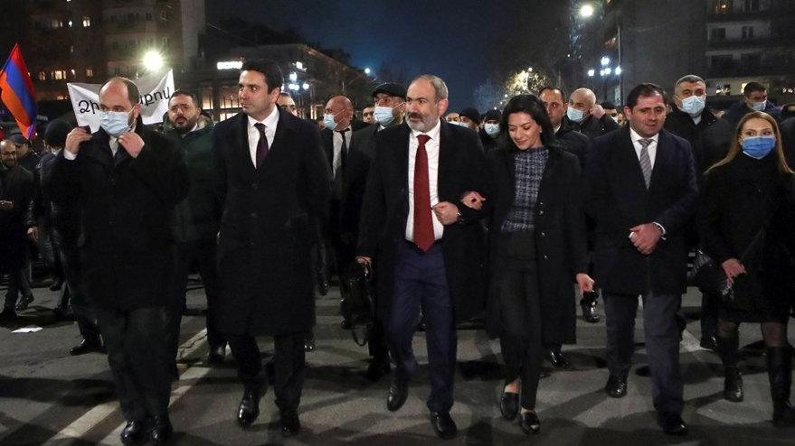 Ermenistan'da Paşinyan'a mahkemeden şok