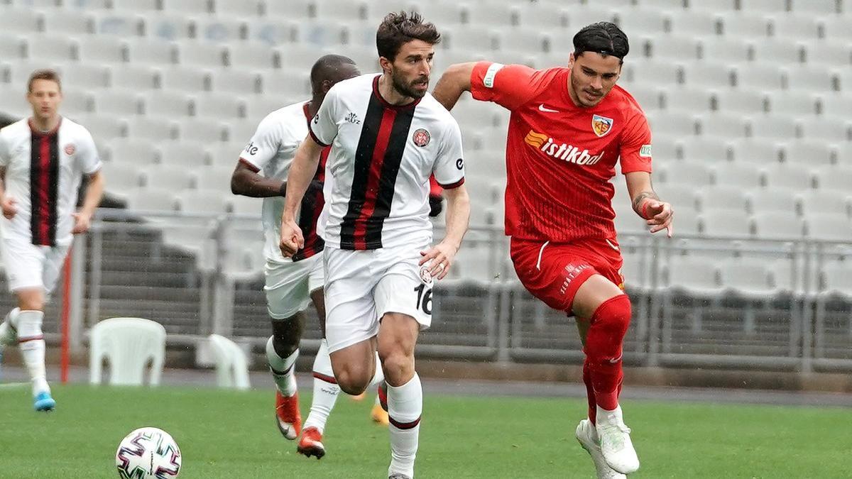 Karagümrük'ten 3 gollü galibiyet! Kayserispor'a acımadı...