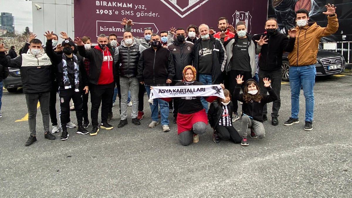 Beşiktaş taraftarından protesto...'Bu skandal kararı kabul etmiyoruz'