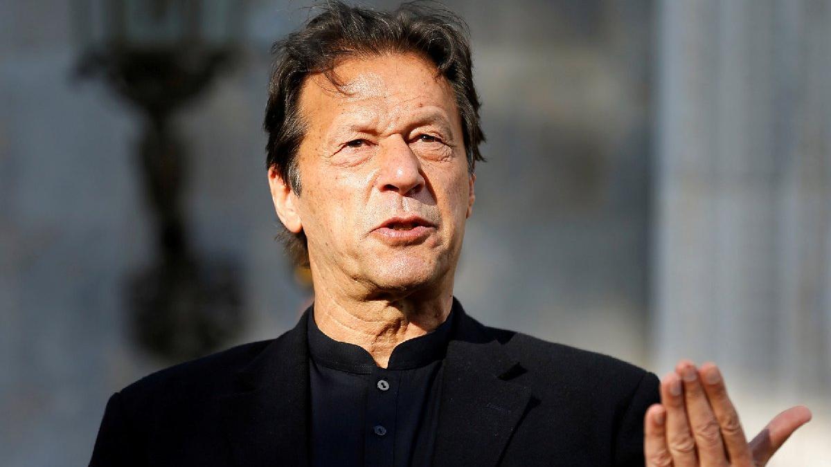 Pakistan Başbakanı Imran Khan aşıdan iki gün sonra corona virüsüne yakalandı