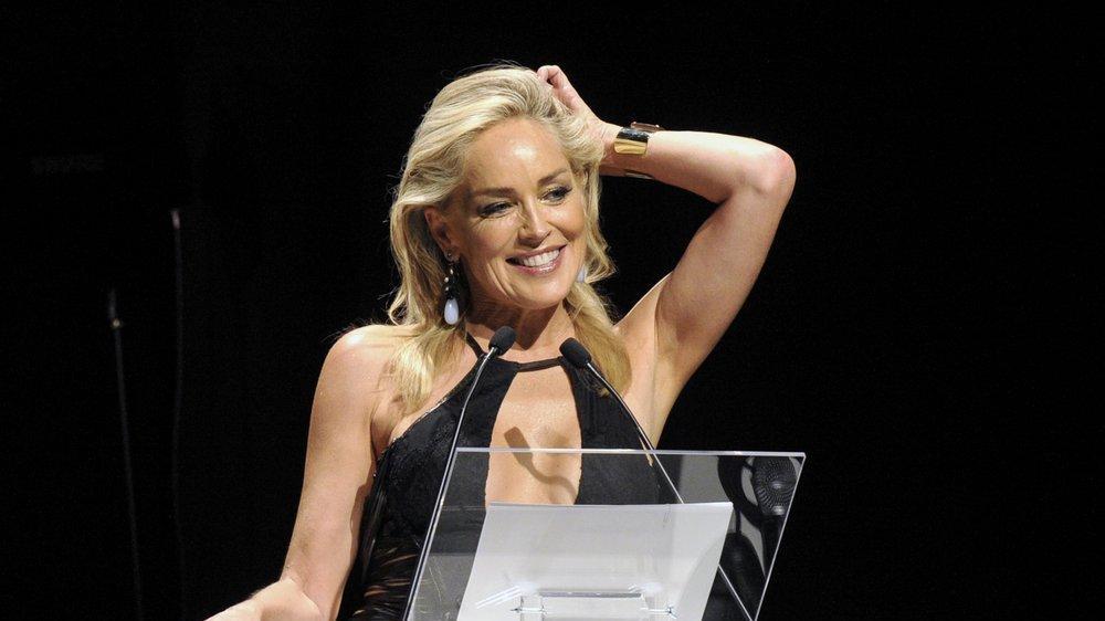 Sharon Stone'dan yıllar sonra itiraf: Filmi kurtarmak için başrolle ilişkiye girmemi istediler