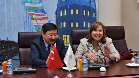 Diplomasi kadınlara emanet