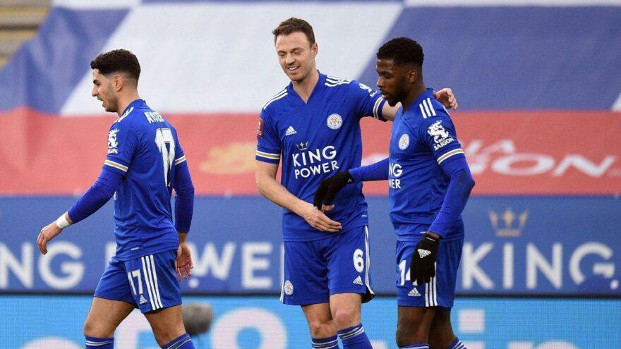 Leicester City, Manchester United'ı kupanın dışına itti