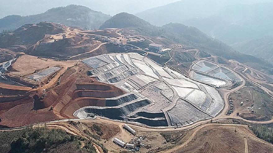 Türkiye madenle delik deşik edildi