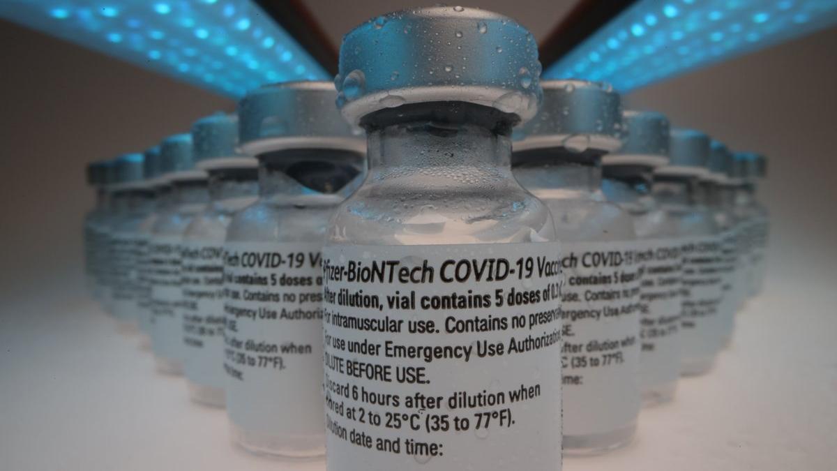İYİ Parti'li Çıray, Fahrettin Koca'ya sordu: 1,5 milyon doz biontech aşısı kimlere yapıldı