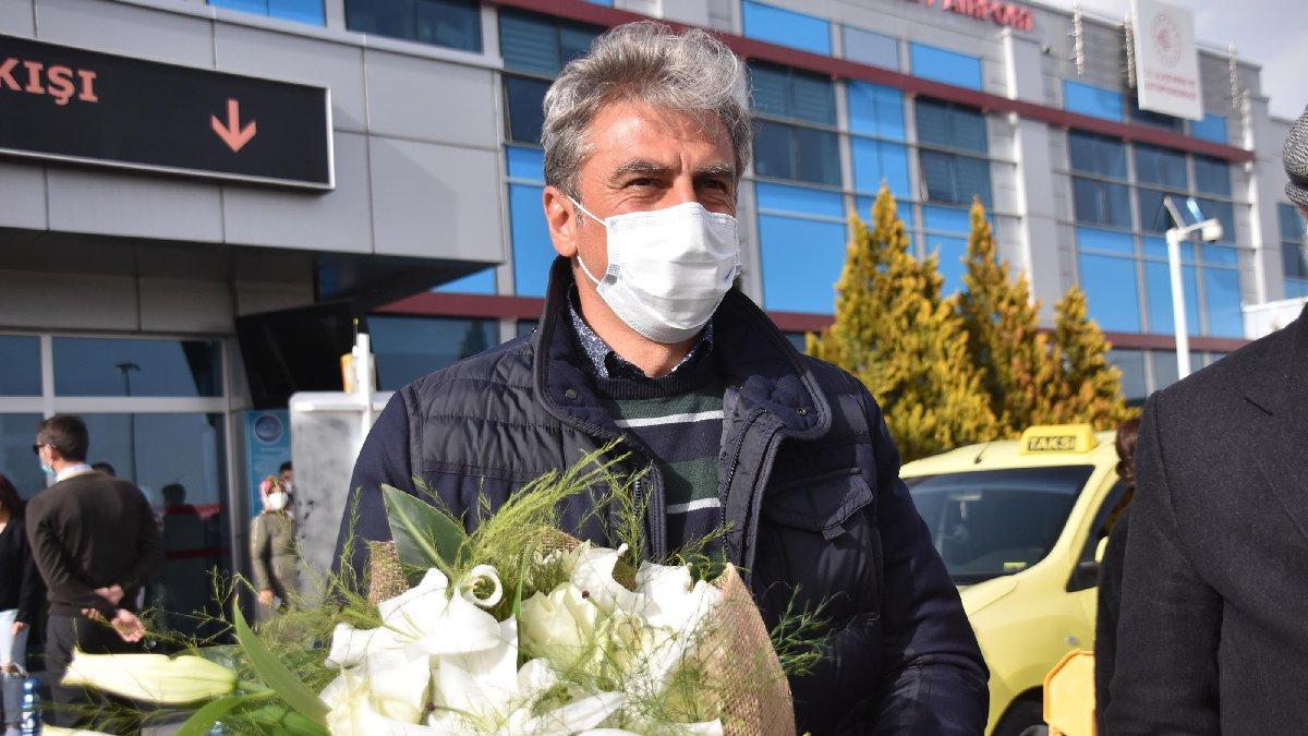 Kayserispor'un yeni teknik direktörü Hamza Hamzaoğlu, Kayseri'ye geldi