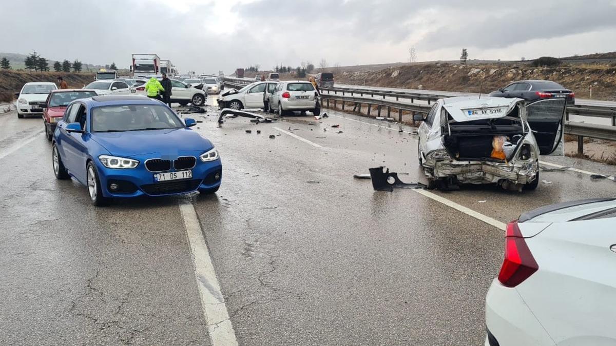 Ankara'da zincirleme trafik kazası!