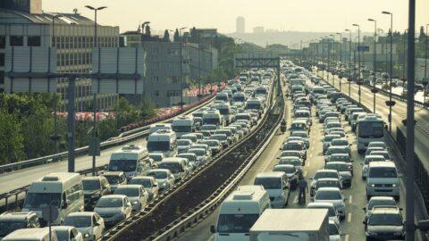 Şubat ayında trafiğe yüzde 35 daha az taşıt kaydı yapıldı