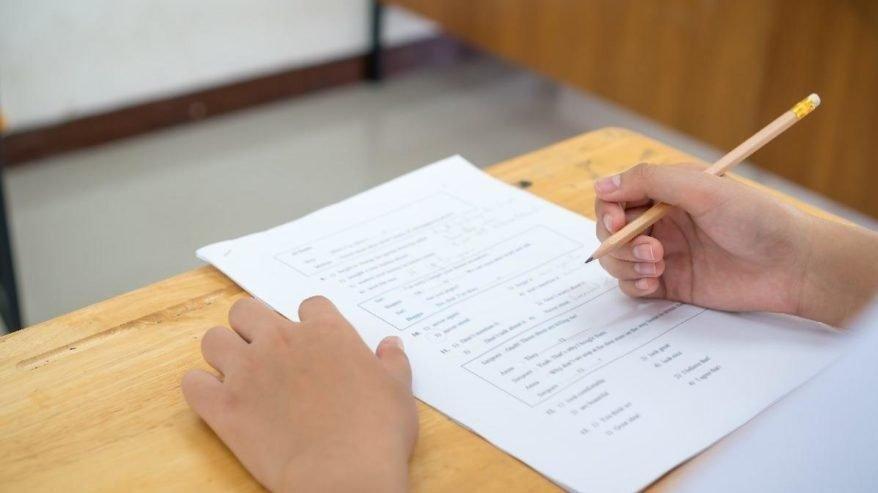 Lise sınavları ertelendi mi? MEB'ten yüz yüze sınav açıklaması...