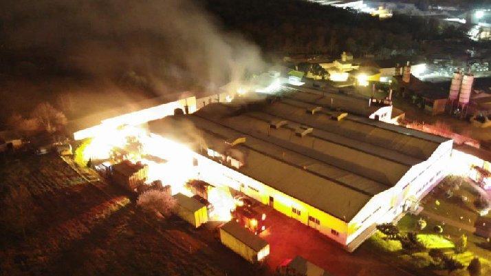 İstanbul'da gıda üretim tesisinde yangın