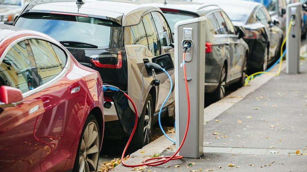 Otopark yönetmeliğinde elektrikli araç değişimi