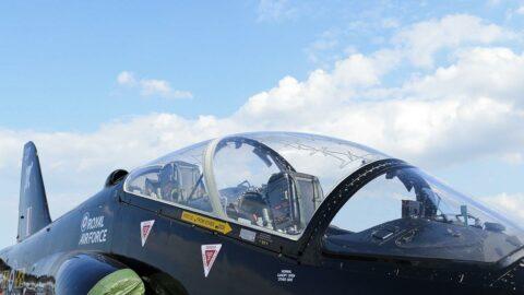 İngiltere'de askeri uçak düştü