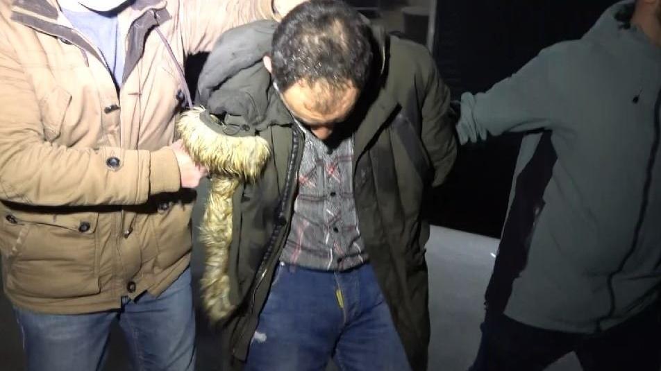 'Kertenkele' kısıtlamada polisten kaçamadı