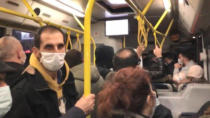 İstanbul'da otobüste kavga çıktı...