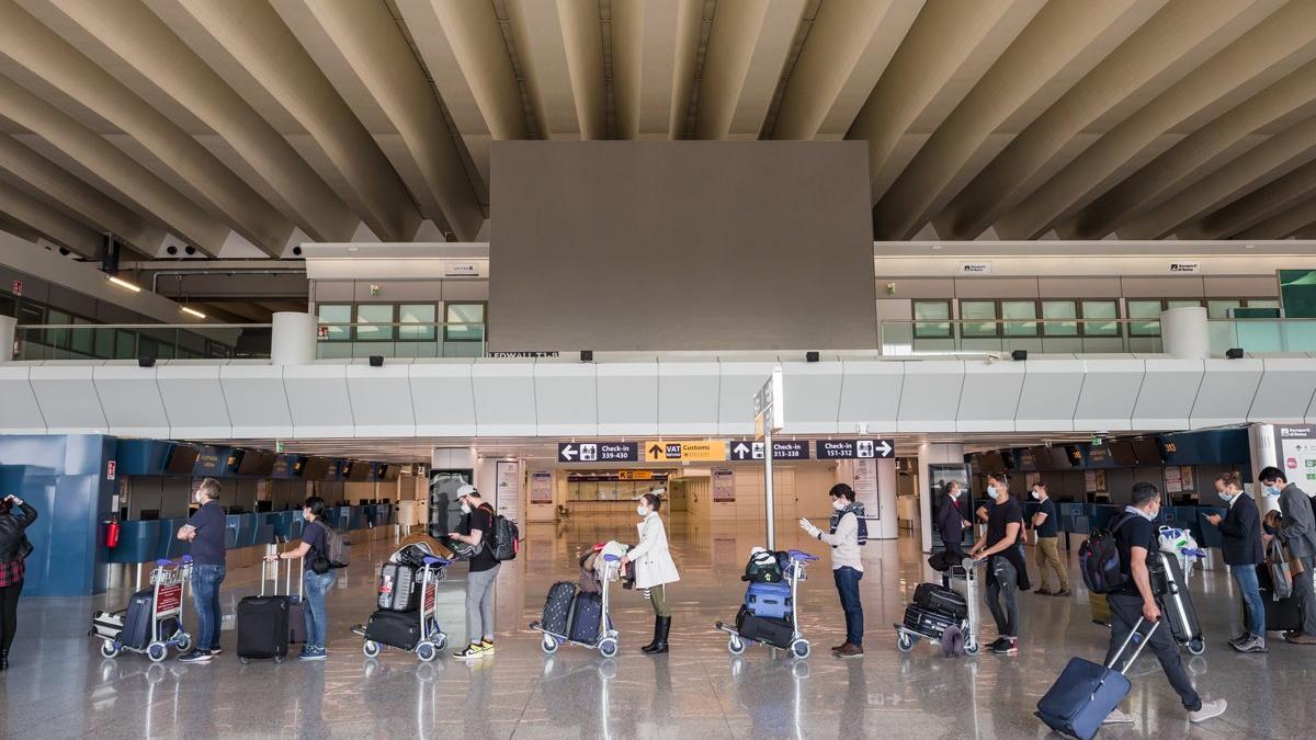 Yurt dışı seyahatlerde corona önlemleri güncellendi, 4 ülke için ev karantinası şartı