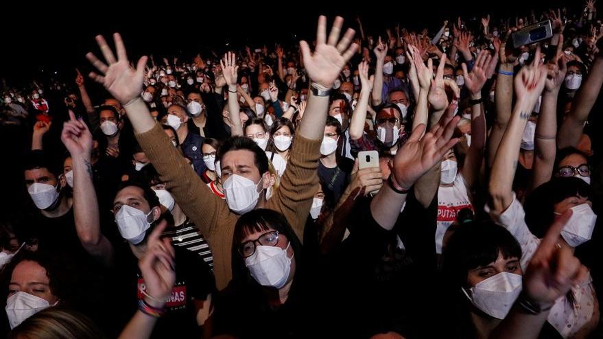 İspanya'da ilk kez sosyal mesafesiz konser gerçekleşti