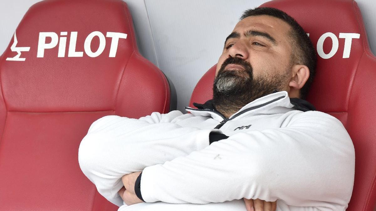 Emre Belözoğlu'na FETÖ suçlaması yapan Ümit Özat'a Fenerbahçe'den sert tepki!