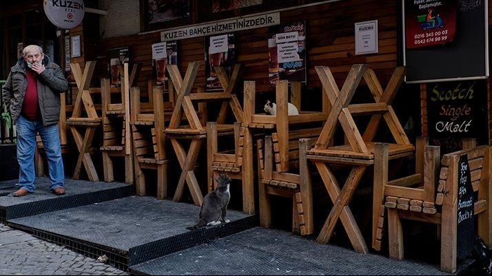 FT: Türkiye'de esnaf iflasa sürükleniyor