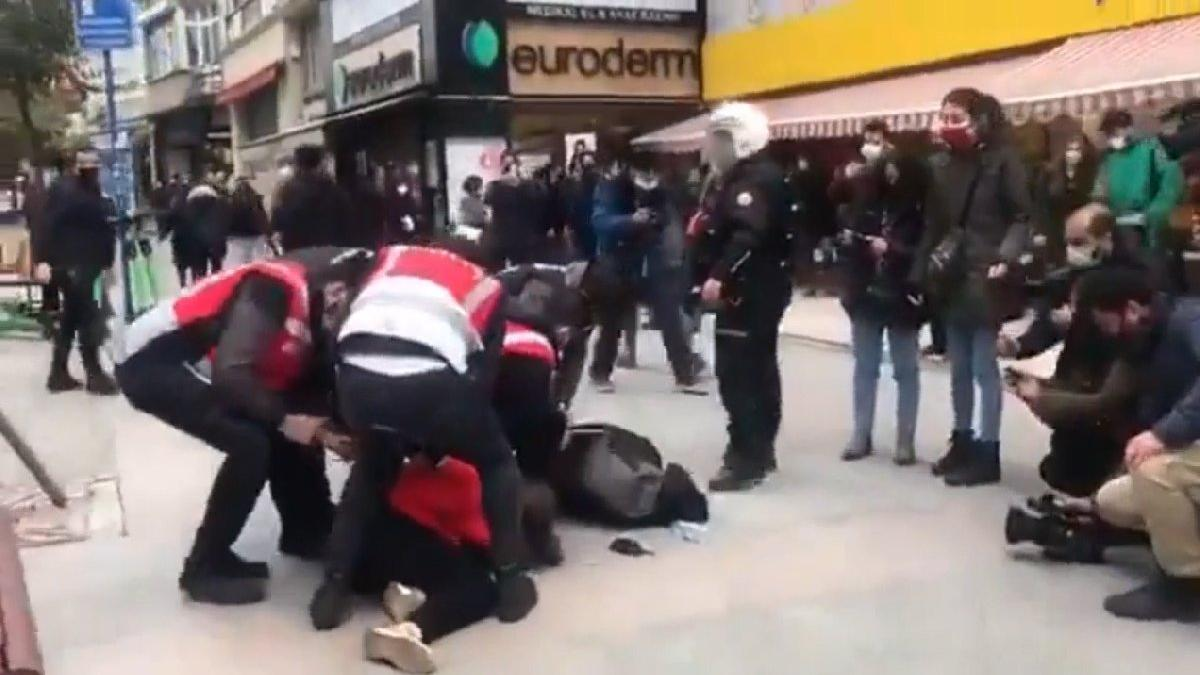 Boğaziçi protestolarına polisten sert müdahale: Çok sayıda gözaltı var