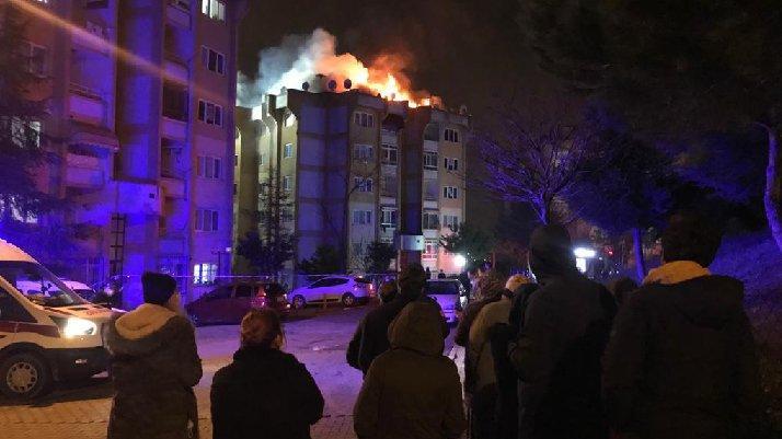 Ailesiyle tartışıp, yaşadıkları evi yaktı
