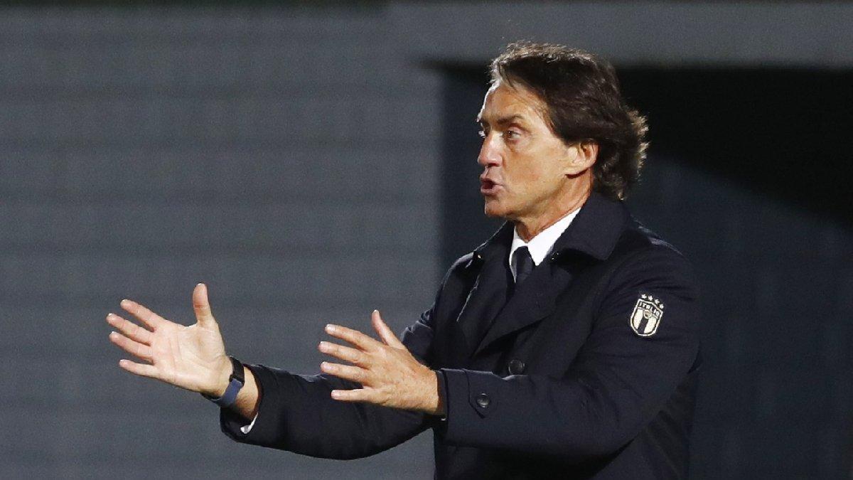 Eski dost Roberto Mancini İtalya'da ülke tarihine geçti! Rekor üstüne rekor...