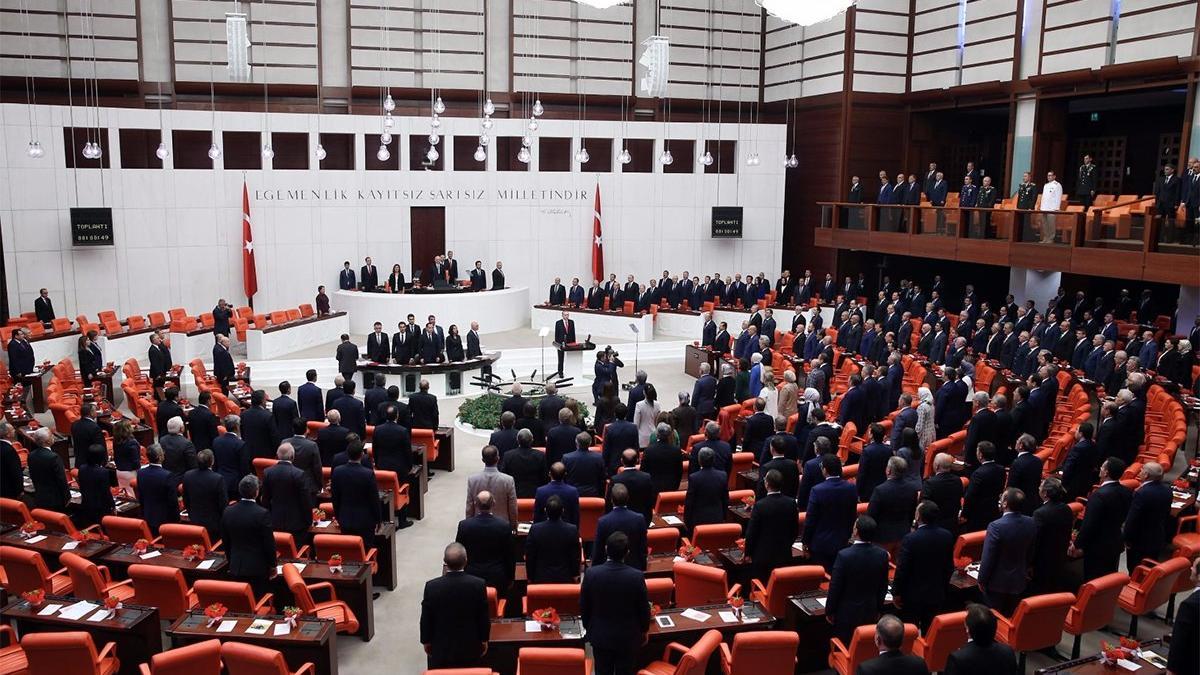 Muhalefetten yeniden oylama tepkisi: Cumhur İttifakı, TBMM'de yine demokrasiye darbe yaptı