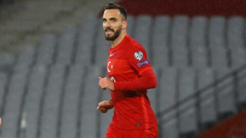 Milli futbolcu Kenan Karaman corona virüsüne yakalandı