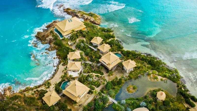 Ünlü milyarder, yeni adasında turizm sezonunu açıyor